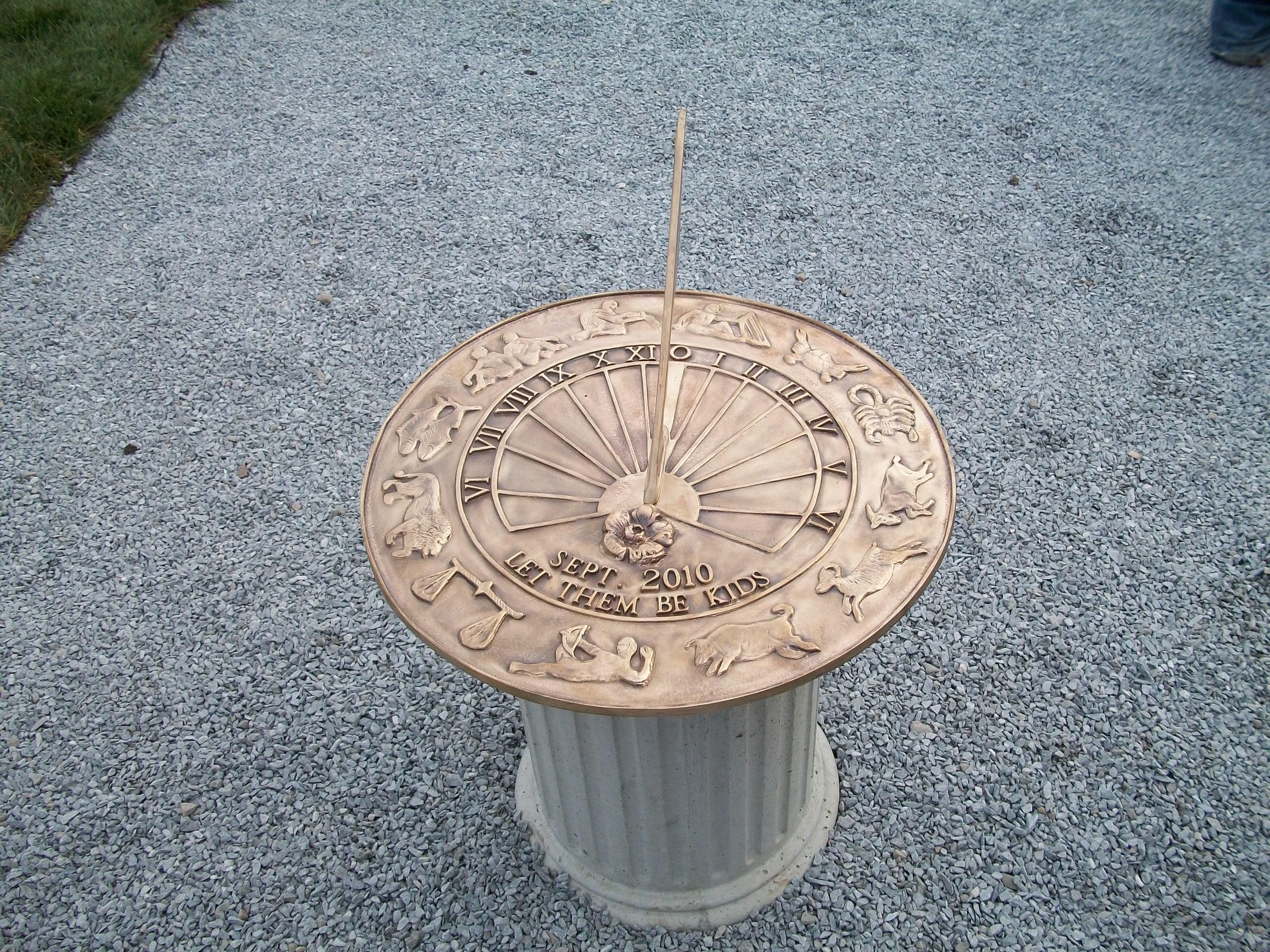 Park sundial